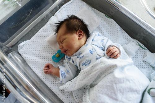 Fényképezés  bebe recien nacido con chupete