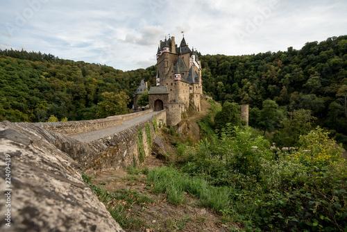 Foto op Plexiglas Historisch geb. ghostly Eltz Castle
