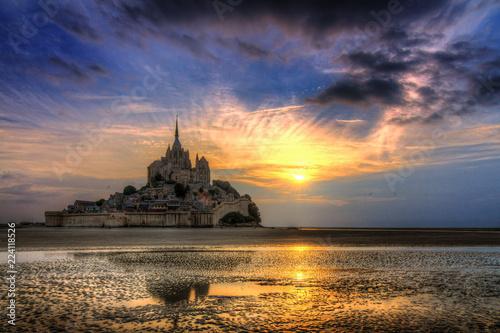 Fotografía  Beautiful view of historic landmark Le Mont Saint-Michel in Normandy, France, a