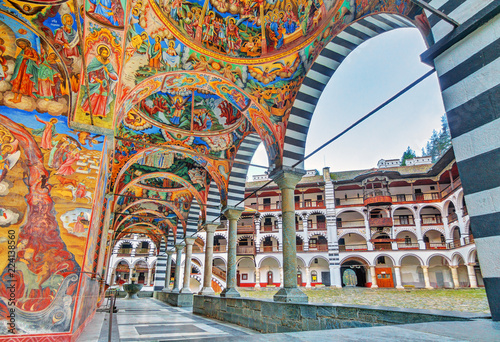 Carta da parati  Beautiful view of the vibrant decoration of the Orthodox Rila Monastery, a famou