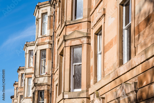 Fotografia, Obraz  Detail of Traditional Scottish Town Houses in Edinburgh City Centre on a Clear W