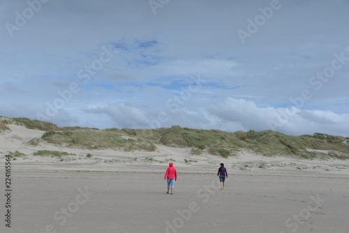 Spoed Foto op Canvas Noordzee Strandspaziergang