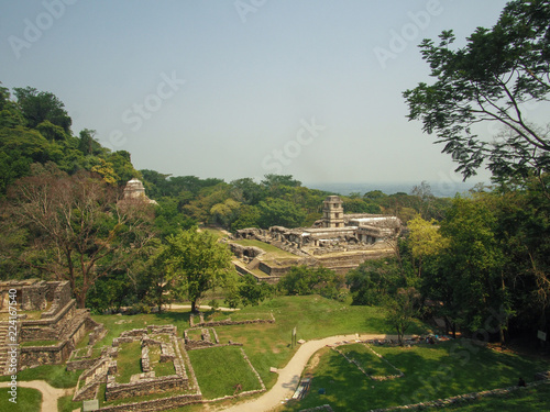 Photo  Overlooking the ruins of Palenque, Yucatán, Mexico