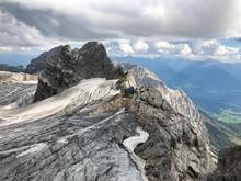 In Der Felswand Des Berges Dac...