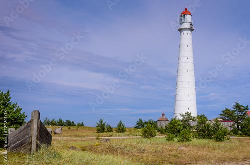 Foto op Aluminium Vuurtoren Sightseeing of Hiiumaa island. Tahkuna lighthouse is a popular landmark and scenic location on the Baltic sea coast, Hiiumaa island, Estonia