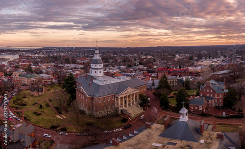 Foto auf Gartenposter Cappuccino Annapolis Maryland Capitol Aerial view panorama at sunset
