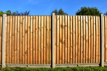 Wooden Featheredge Garden Fenc...