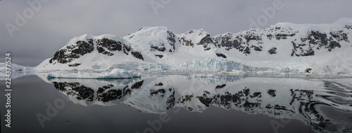 Poster Antarctica Antarctic landscape with reflection