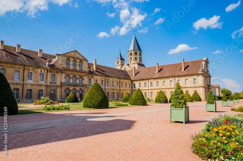 Abbaye de Cluny et jardins Canvas Print