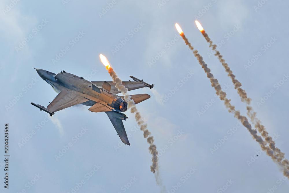 Fototapeta F-16 Fighter Jet