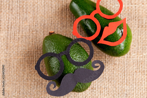 Fotografía  Funny silhouette patterns on the raw food background. movember