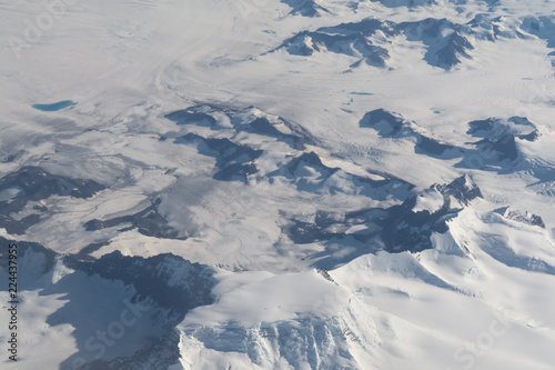 Photo Ariel view of a snow covered mountain range