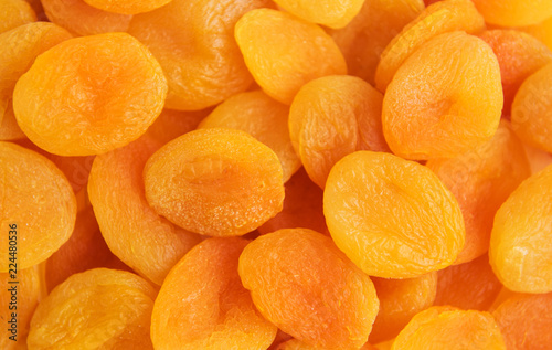 Foto Dried apricots on a table