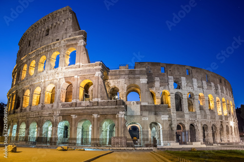 Staande foto Rome Famous Colosseum under the night sky in Rome