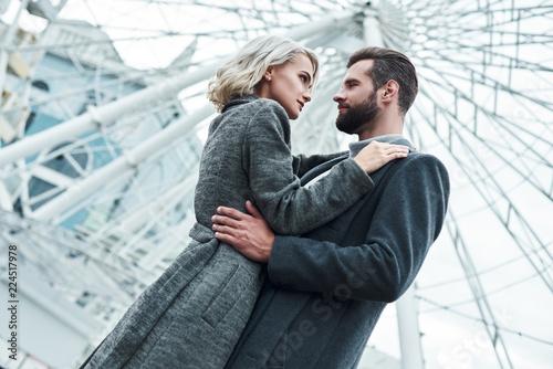 modeller dating forretningsmann hvordan du bruker absolutt dating