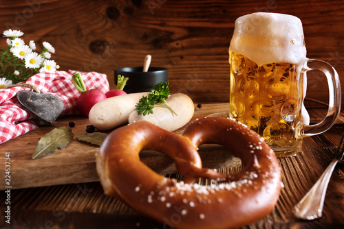 Spoed Foto op Canvas Bier / Cider Oktoberfest beer and white sausage_001