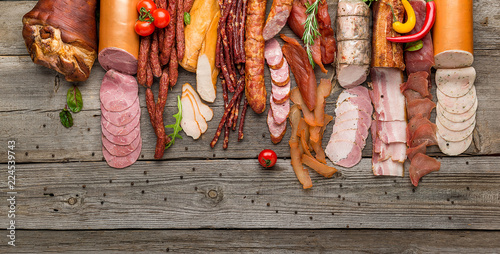 Fotografía  Assortment of cold meats, variety of processed cold meat products
