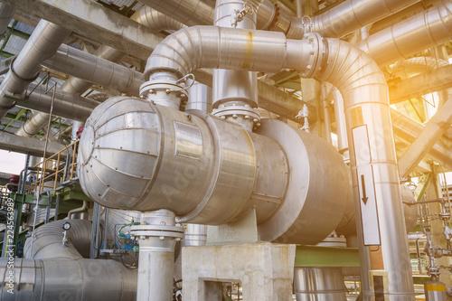 Fotografía Heat exchanger in refinery plant