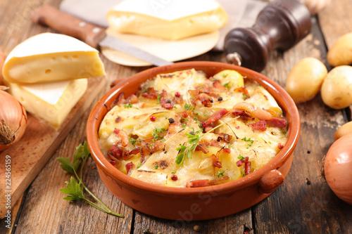 Fotografie, Obraz  french tartiflette, potato, bacon and reblochon