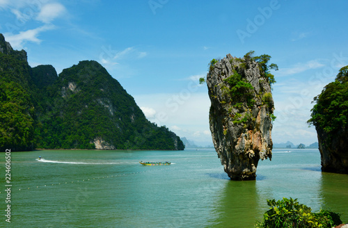 In de dag Eiland James bond Island or Khao Tapu In Phang Nga Bay Thailand.