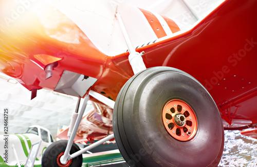 Papiers peints Rouge, noir, blanc Chassis of light plane