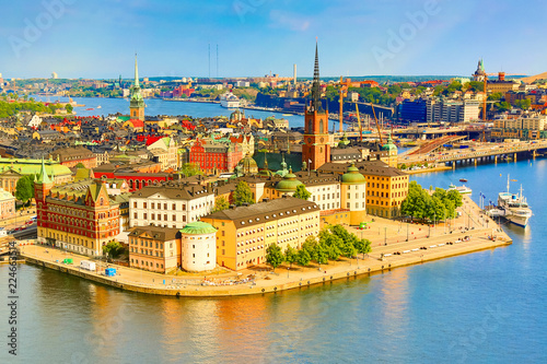 In de dag Havana Gamla Stan, the old part of Stockholm in a sunny summer day, Sweden. Aerial view from Stockholm City hall Stadshuset.