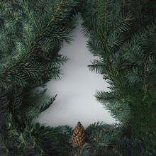 Negative Space Christmas Tree ...