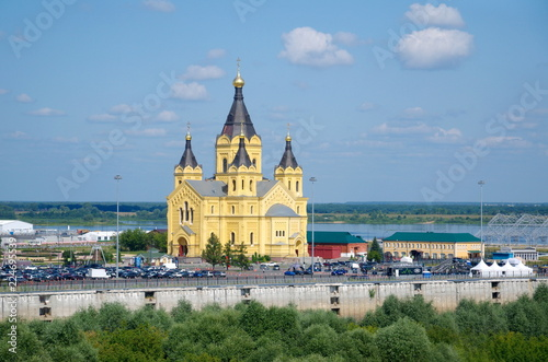 Fotografia  Summer view of the Arrow - the confluence of the Oka and Volga rivers and Alexander Nevsky Cathedral