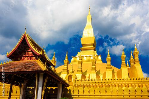 Deurstickers Bedehuis Pha That Luang temple. Golden stupa. Vientiane. Laos.