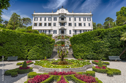 Fotografiet  Villa Carlotta and gardens in Tremezzo, Lake Como, Lombardy, Northern Italy