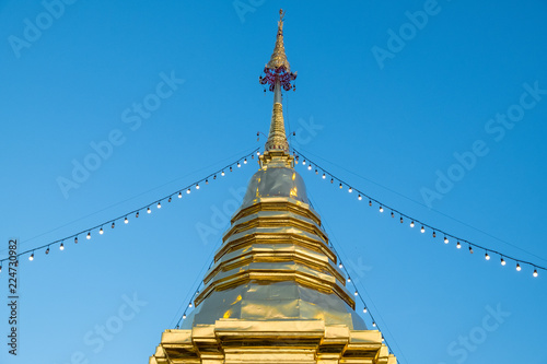 Deurstickers Bedehuis Stupa of Wat-Pratatdoikam (temple name) in Chiangmai, Thailand - lot of Buddhism and tourist come to pray and worship.