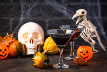Halloweens Spooky Drink Black ...