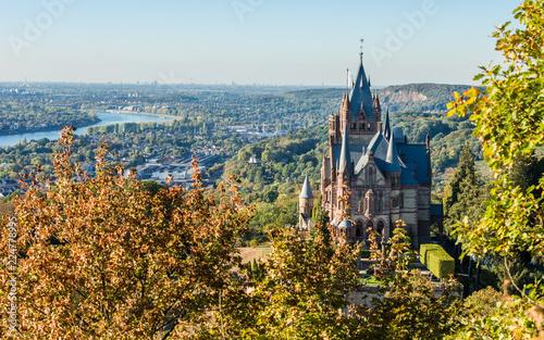 Zdjęcie XXL Drachenburg i Bonn jesienią; Siedem Góry; Niemcy