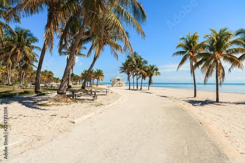 Staande foto Strand Crandon Park Beach