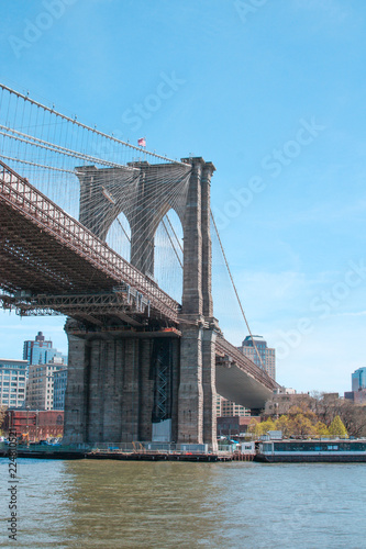 Spoed Foto op Canvas Brooklyn Bridge Brooklyn bridge from a ferry