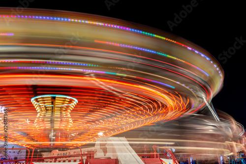 Jahrmarkt bei Nacht