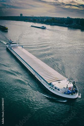 Fotografía  Schiff Mainz Rhein Logistik