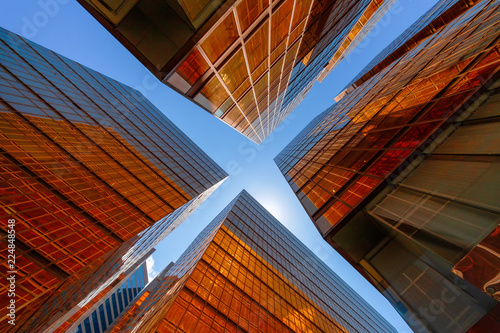 Photo  Golden building with blue sky
