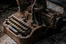 Vintage Typewriter Very Rusty ...