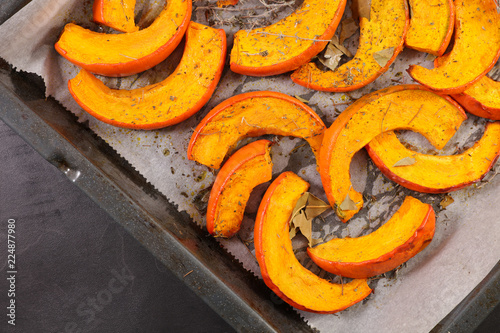 Photo  roasted pumpkin slices