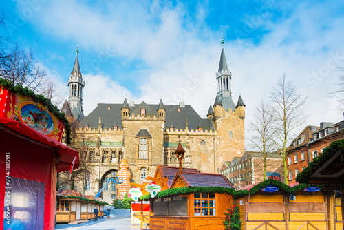 Spoed Foto op Canvas Oude gebouw AACHEN, GERMANY - November 19, 2017: Beautiful decorated booths and christmas lights at Christmas Market.