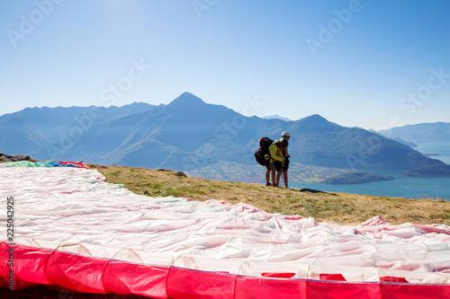 Lago di Como (IT) - Lancio in tandem con parapendio