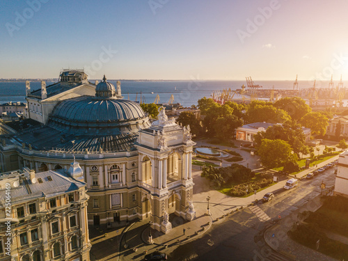 Papiers peints Con. ancienne Urarinian most interesting cities. Odessa Opera and Ballet Theater Ukraine. aerial photography. city cultural sightseeing. central facade. Sunrise