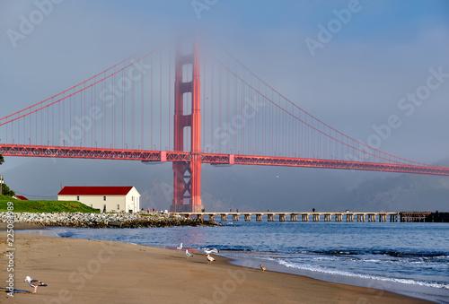 Fotobehang Amerikaanse Plekken Golden Gate Bridge beach view, San Francisco, California