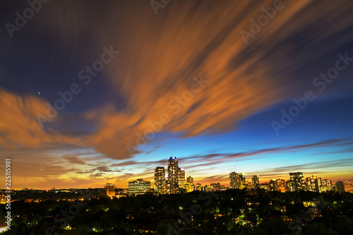 Fotografía  Skyline of midtown Toronto after dark