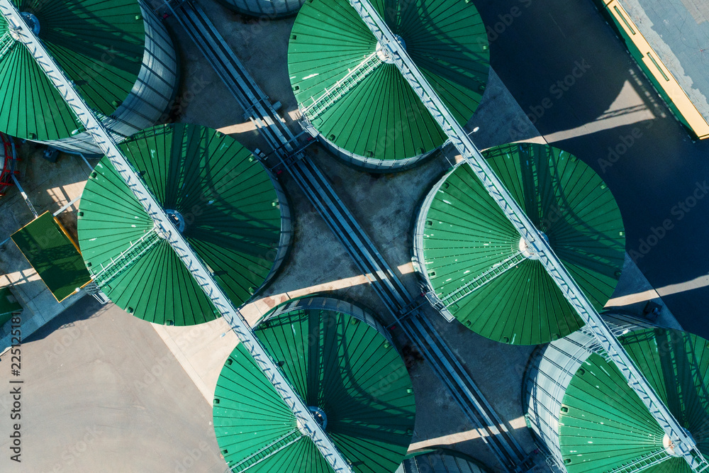 Fototapety, obrazy: A modern granary. View of grain silos from above