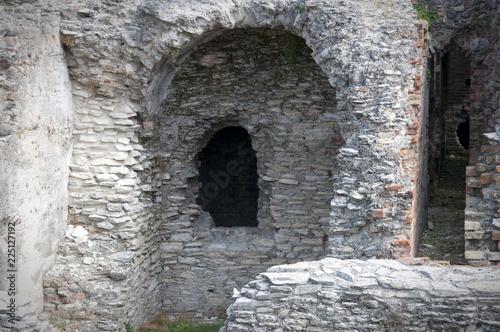 Foto op Aluminium Rudnes ruins of an ancient city, stone walls
