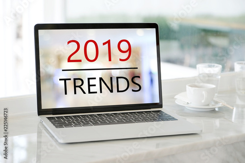 Fotografía  Laptop computer with 2019 trends on screen background, digital marketing, busine