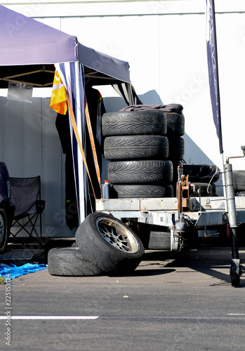 Reifen Slicks Motorsport fahrerlager Pit Box Rennstrecke