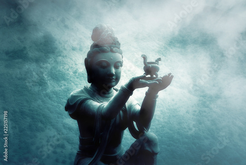 Spoed Foto op Canvas Boeddha Foggy Night over Buddhist Statue at Po Lin Monastery Lantau Island